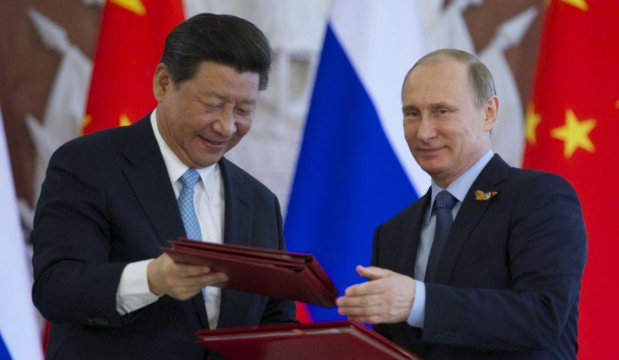 ¿Será que diremos adiós al dólar? China y Rusia acuerdan aumentar el comercio y la inversión en monedas nacionales
