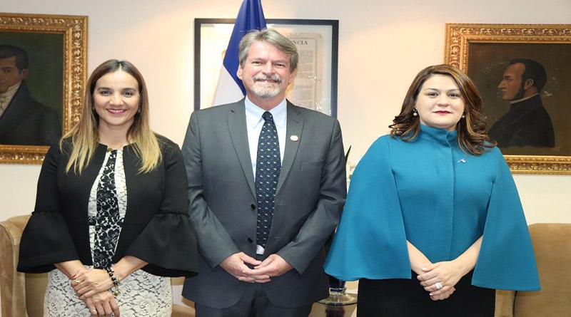 Mark Connolly, Representante de UNICEF en Honduras presenta sus credenciales