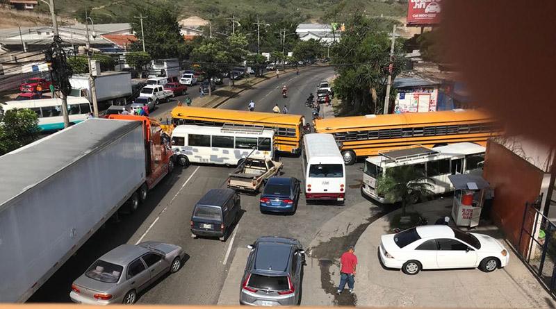 Sigue el paro del transporte en Honduras mientras gobierno no da respuestas » Criterio.hn