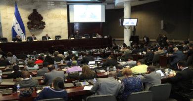 Secretarios del Congreso de Honduras podrán cambiar lo aprobado y ratificado por el pleno de diputados