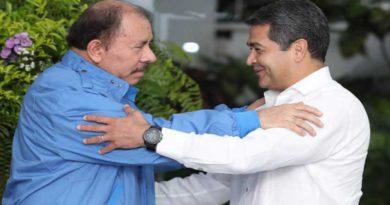 La doble moral de JOH: Condena violencia en Nicaragua y exhorta al diálogo