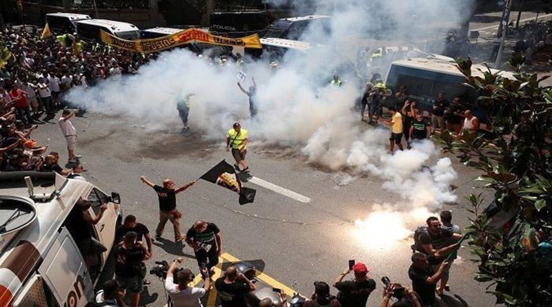 Taxistas realizan huelga de 48 horas en Barcelona, España