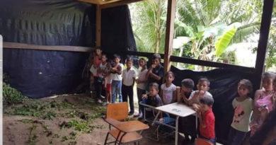 Padres de familia de Honduras pagan hasta L. 14.200 al año para sostener los centros educativos