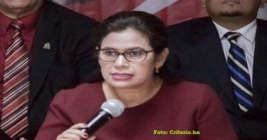 Magistrada del CNE revela cómo se impuso el fraude electoral de 2013 y 2017