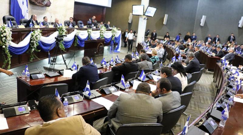 Congreso de Honduras se niega a interpelar a director de la ATIC por crimen de estudiantes