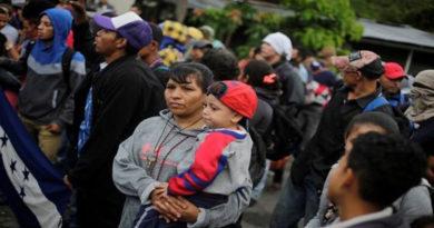 Pandemia aumenta factores de riesgo que enfrentan mujeres migrantes