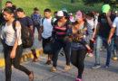 Gobierno de Honduras insinúa que detrás de la caravana de migrantes hay intereses políticos