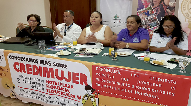 mujeres rurales exigen al gobierno que apruebe el fideicomiso de Credimujer