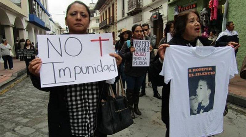 Expulsan en Ecuador a sacerdote