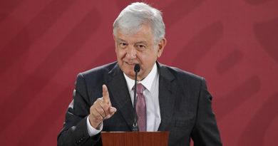 AMLO llama a sustituir la OEA