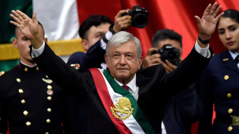 López Obrador promete terminar con la corrupción e impunidad al asumir la presidencia de México