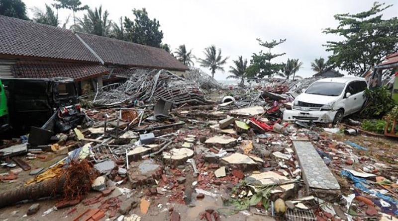 222 muertos y 800 heridos deja tsunami en Indonesia