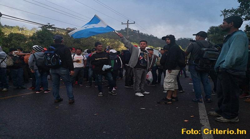Caravana migrante: Tensión y esperanza se confunden en frontera con Guatemala