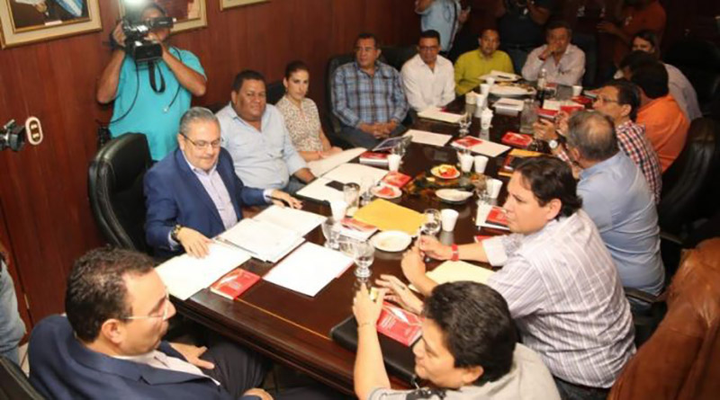 Diputados liberales dan golpe a Elvin Santos en la bancada