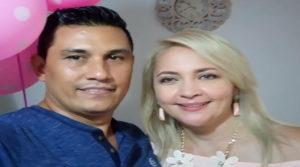 Familia de periodistas huye