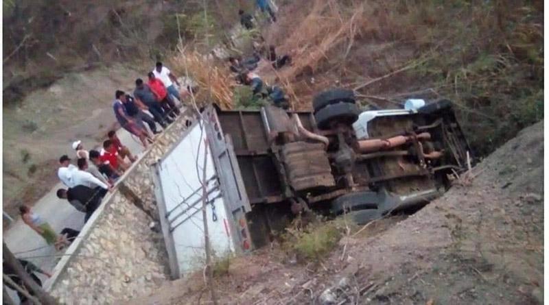 25 muertos camión con inmigrantes