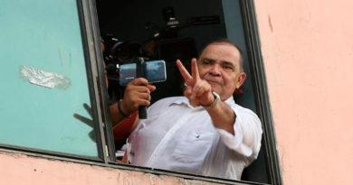 Denuncian que periodista David Romero está en peligro de muerte