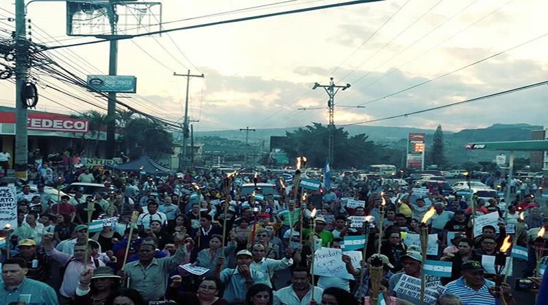 as antorchas contra la corrupción en Honduras