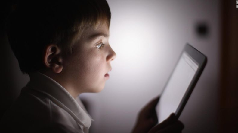 ¿Cuánto tiempo de ejercicio, sueño y tiempo en pantalla deben tener los niños menores de 5 años?