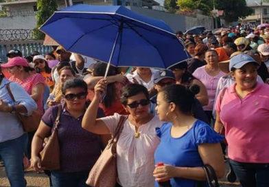 Magisterio denuncia que gobierno sigue sin pagar salarios a docentes de 14 departamentos del país