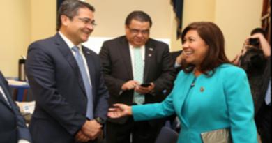 Congresista Torres pide a presidente de Honduras que «guarde su cocaína y mentiras»
