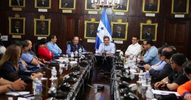 """Campesinos anuncian acciones de protesta contra aprobación de """"Ley Bananera"""""""