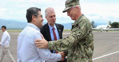En medio de crisis, Comando Sur de EE.UU reafirma respaldo a régimen de JOH