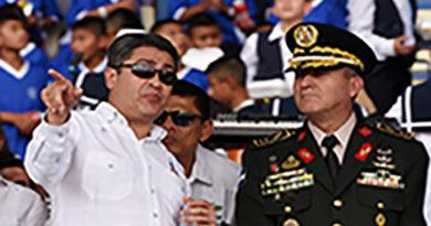 «Al jefe de las Fuerzas Armadas se le salió la saya cachureca»: Juan Barrientos