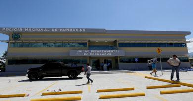 Policía detiene a 18 miembros de la comunidad campesina de Nueva Esperanza, Comayagua