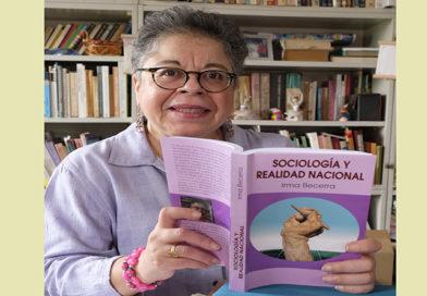 """Irma Becerra publica libro """"Sociología y Realidad Nacional"""""""