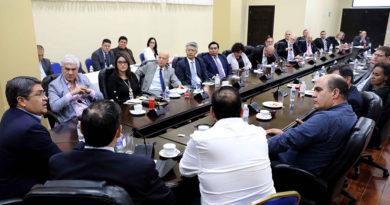 Gobierno corrupto de Honduras pide apoyo para acceder al Fondo Verde para el Clima