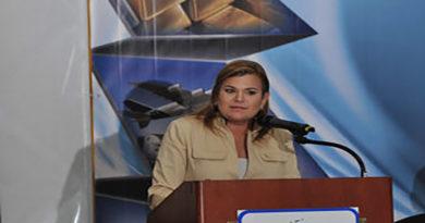 Empresas se van del país por culpa del gobierno: Aline Flores