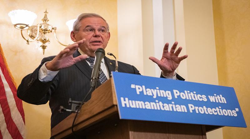 Senador Menéndez publica informe sobre cómo Trump puso en peligro el TPS por cálculos políticos