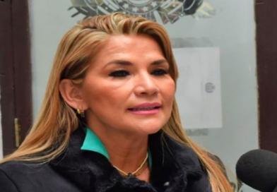 Fiscalía de Bolivia emite orden de captura contra expresidenta Jeanine Áñez
