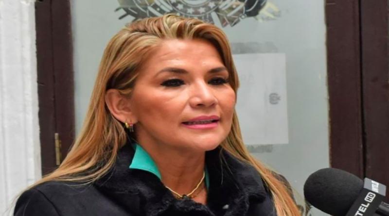 Jeanine Áñez se autoproclama presidenta