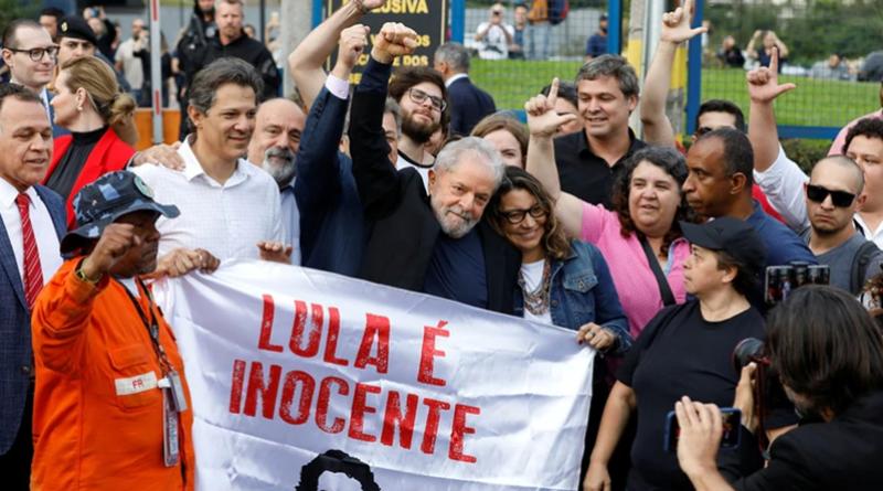 Marea humana recibe en libertad a Lula da Silva
