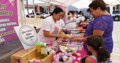 Mesoaemericanas desarrollan exitosa feria en Cantarranas