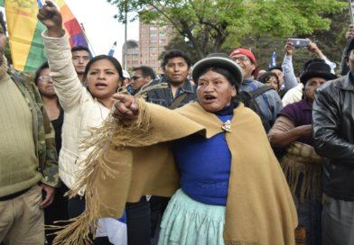 Democracia en América Latina vista desde EUA y Bolivia