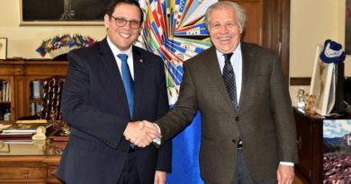Hernández y Almagro deciden modificar convenio de la MACCIH