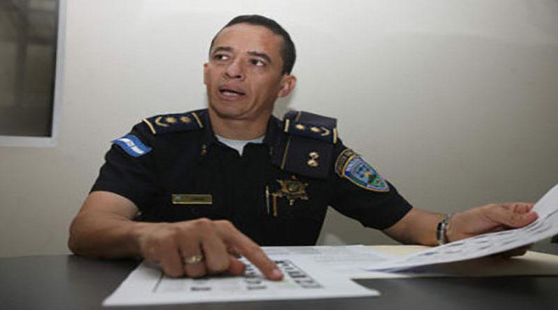 Capturan al comisionado de policía Leonel Sauceda