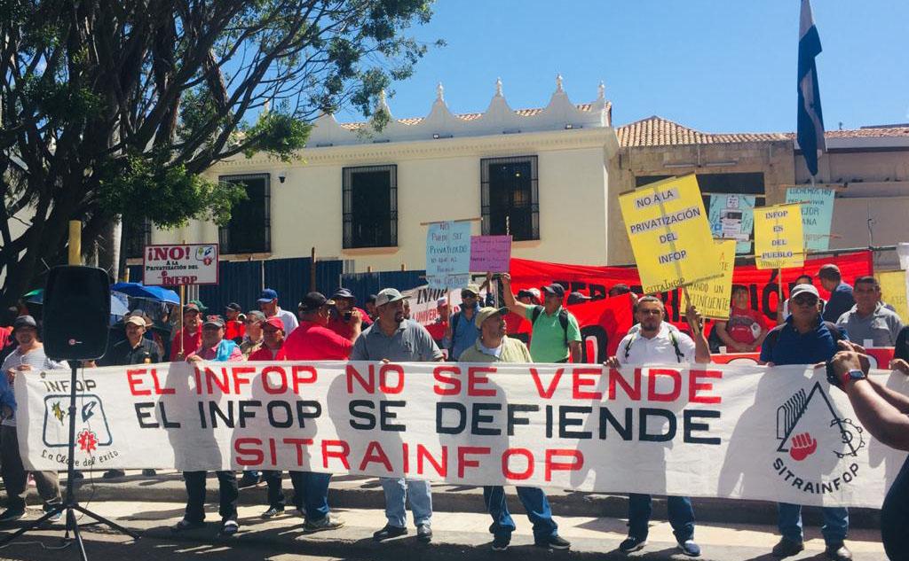 Sindicalistas piden al Congreso detener privatización del Infop