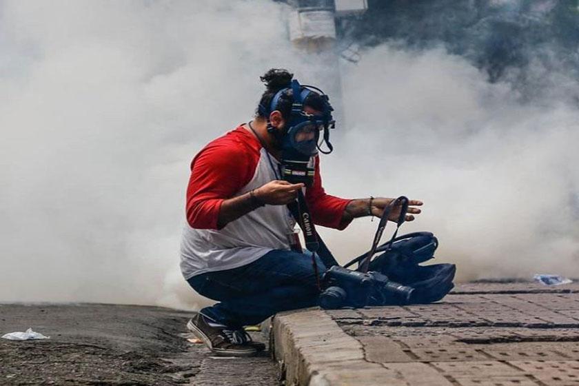 Durante cobertura informativa, desconocido daña cámara fotográfica de reportero de CRITERIO.HN
