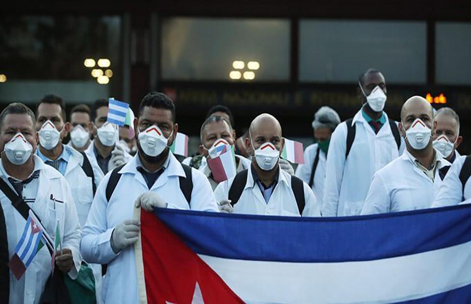 Más de 10 países reciben ayuda de médicos cubanos para superar el ...