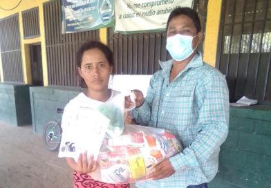 Fundación Terra y empresas afines entregan víveres a comunidades de la zona sur