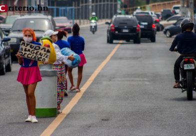 Tegucigalpa: entre payasitas, raciones de alimentos y mendicidad