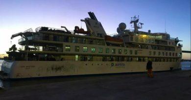 Agonía en altamar: Trece marinos hondureños abandonados en crucero Greg Mortimer