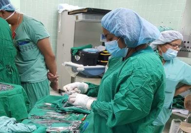 Estudiantes de enfermería conmemoran su día alejadas de los hospitales