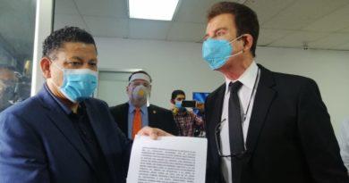 El Código Penal es para evitar las extradiciones: Salvador Nasralla