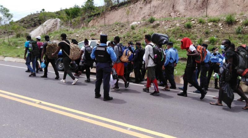 Migrantes haitianos se cansaron de esperar
