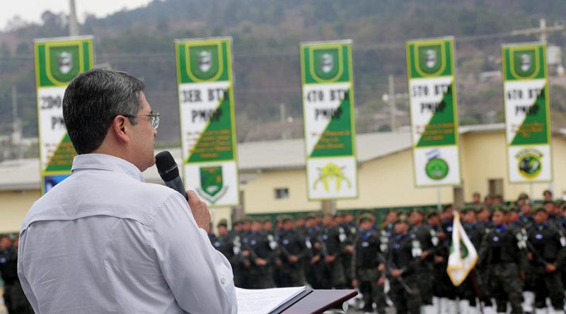 Senador Merkley celebra que ley suspenda ayuda a las fuerzas de seguridad de Honduras